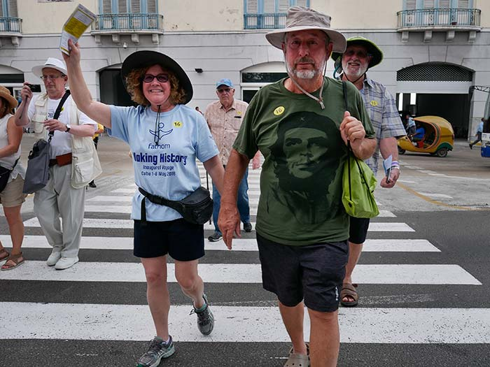 pictures of american touristics in cuba