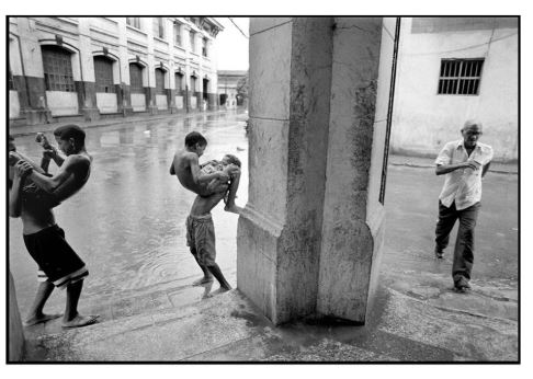 city picture of havana by cuban photographer RAUL CANIBANO