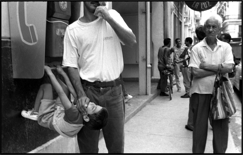father and son in havana by cuban photographer raul canibano